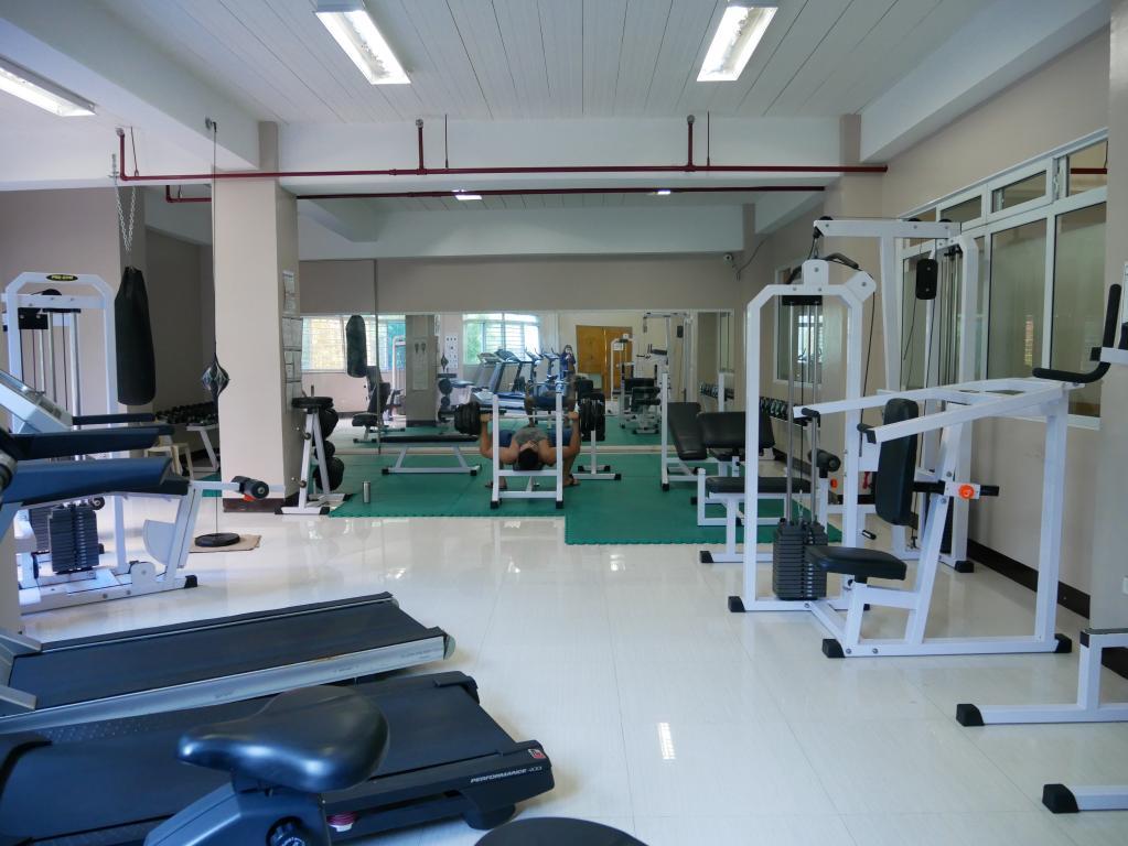 位於PINES Chapis高級校區地下一樓的健身房一瞥。