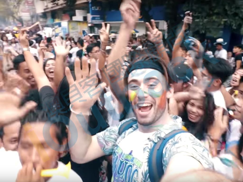 Sinulog慶典街上群眾狂歡一瞥